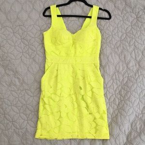Bright yellow/green dress with pockets